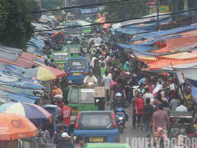 Jalan Dewi Sartika – Jalan atau Pasar ?