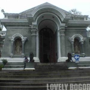How to go to Bogor Botanical Gardens by train