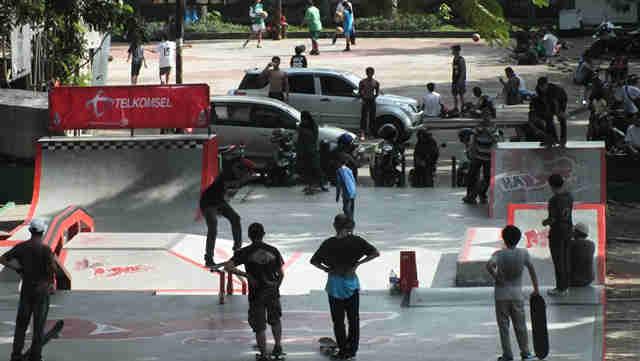 Taman Skateboard – Lapangan Sempur