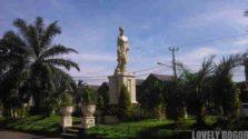 Patung wanita dan anak di Bukit Cimanggu