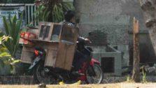 Pedagang Bubur Bermotor – Sarapan Beroda