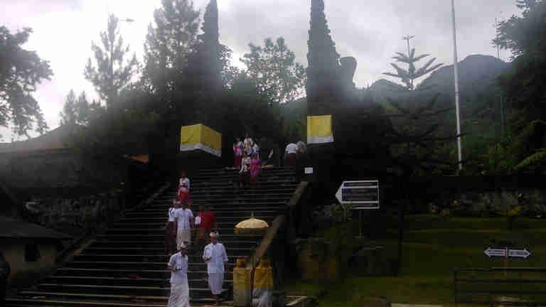 Parahyangan Agung Jagatkartta- Bukan Tempat Wisata!