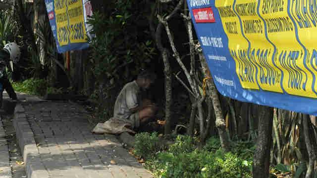 Dilarang memberi uang kepada pengemis