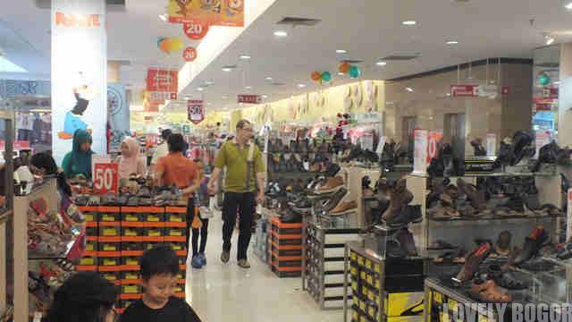 Alasan Warga Bogor Lebih Suka Belanja Di Mall