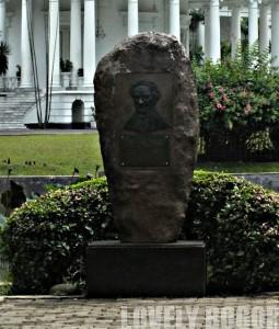 Monumen Reinwardt