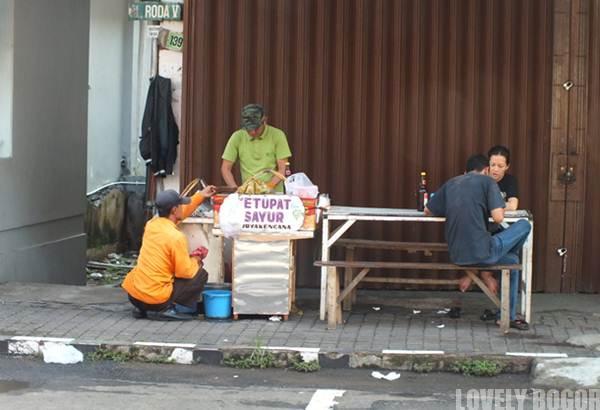 Wisata Kuliner di Jalan Suryakencana Bogor