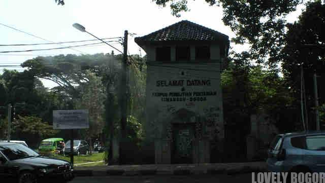 Gardu Listrik Tua di Kota Bogor
