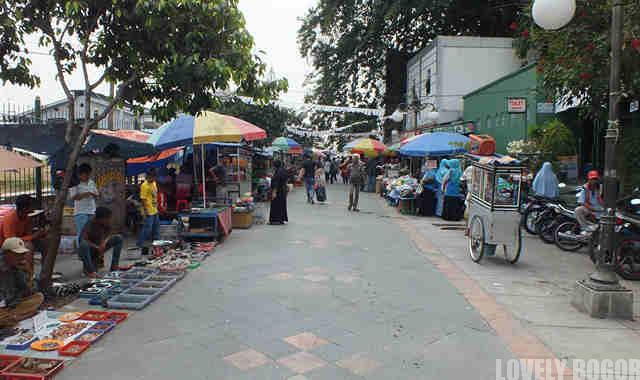 Pdestrian Walk = Pedagang Kaki Lima