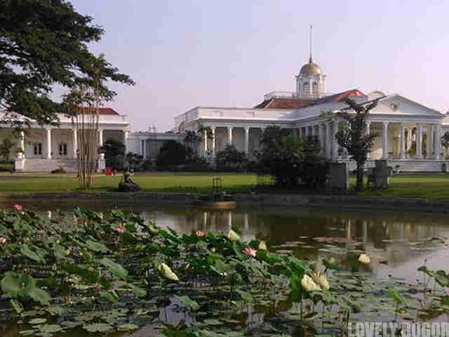 Bogor Palace and The Gunting Pond
