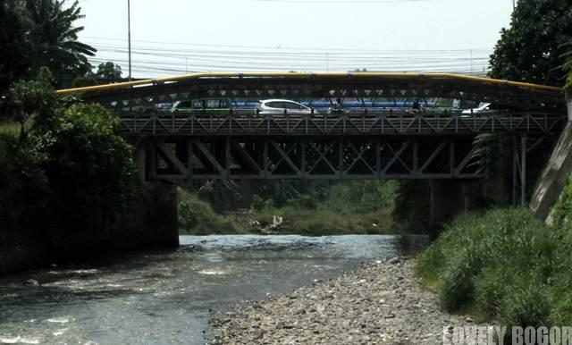 Jembatan Satu Duit – Jangan Lemparkan Duit Anda