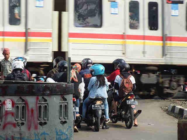 Kelakuan Pemotor Di Bogor