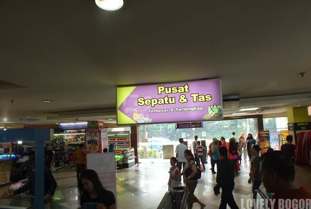 Pusat Tas Dan Sepatu - Mall BTM
