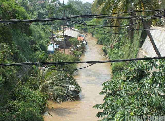 Penyempitan Sungai Cipakancilan Dan Cidepit