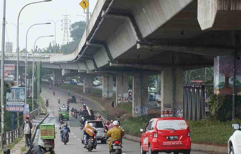 Keindahan Kecil Di Kolong Jalan Tol Lingkar Luar Bogor
