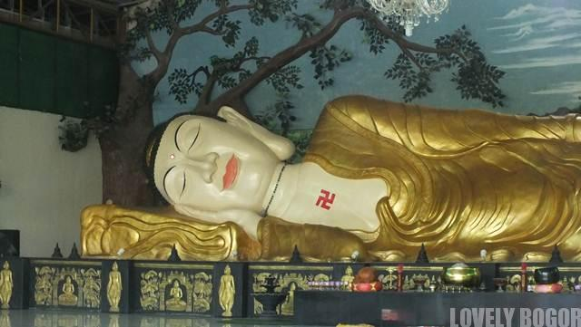 The Giant Sleeping Buddha Statue