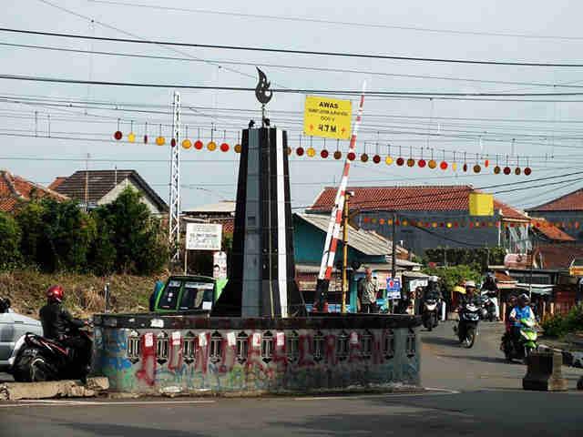 Ada Tugu Kujang Mini Di Bogor