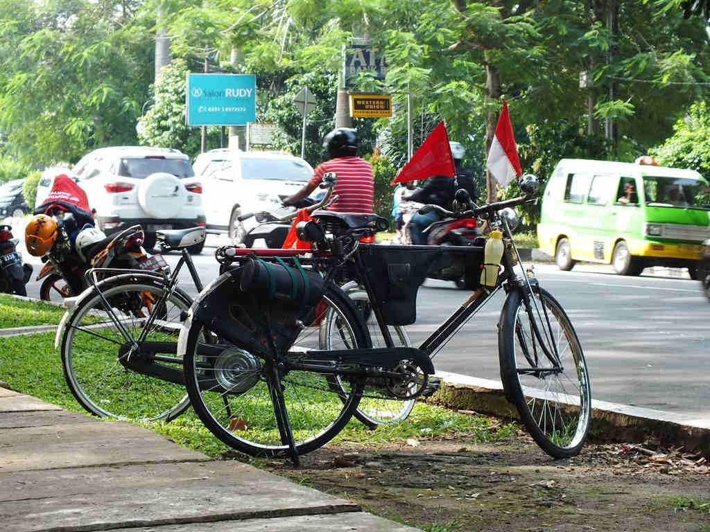 Sepeda Onthel Bogor 06
