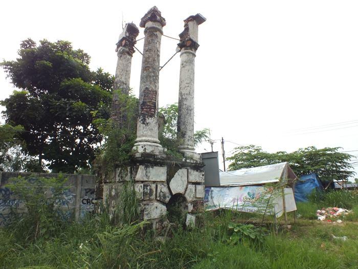 Situs Tugu Lonceng – Cagar Budaya Tak Terawat