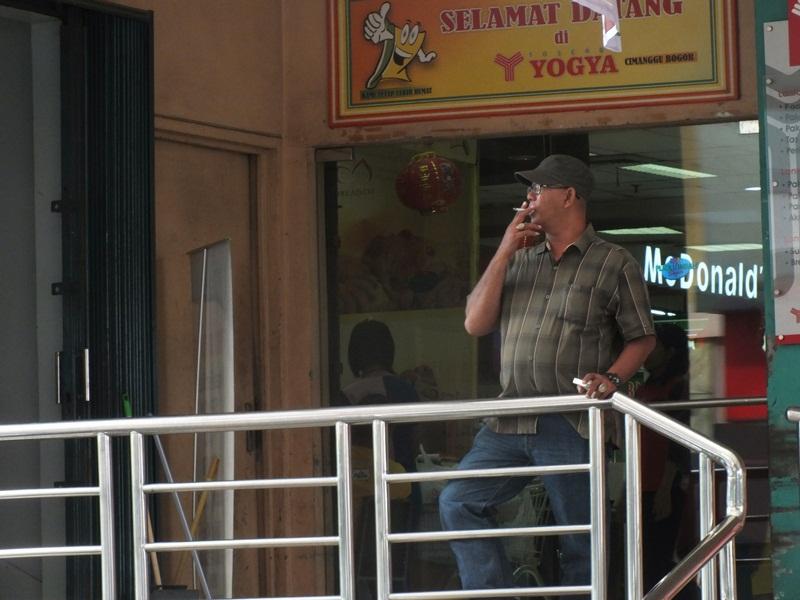 Smoking While Waiting
