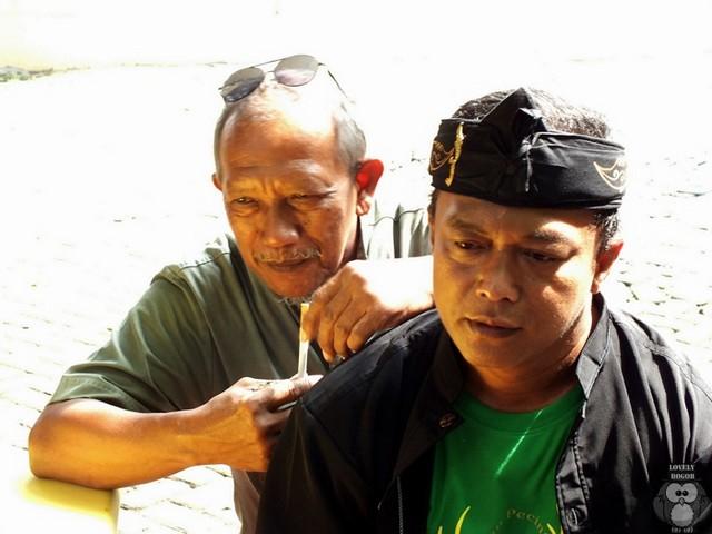 Komunitas Kasundaan : Berjuang Mempertahankan Warisan