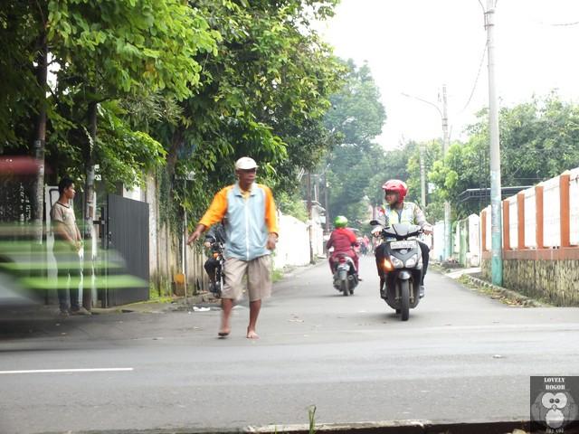 Polisi Cepek : Kadang Jengkel Kadang Butuh