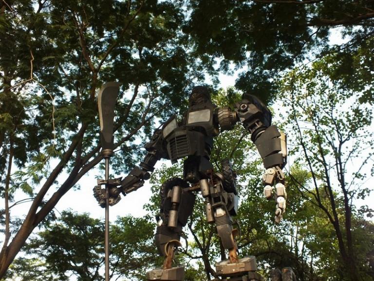 Eco Art Park Sentul : Ada Optimus Prime Lho!