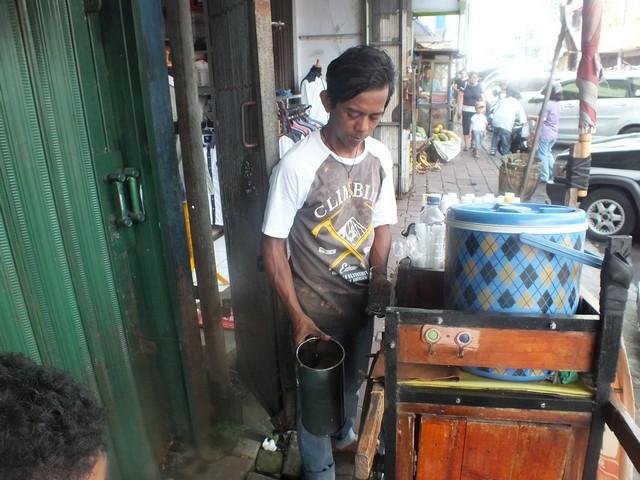 Bir Kocok Jalan Suryakencana Bogor