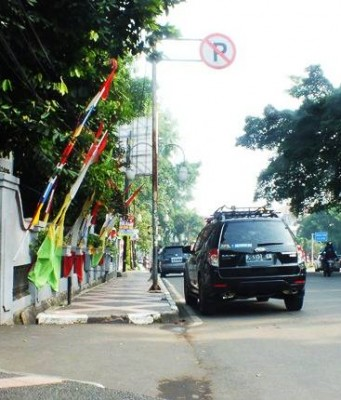 Parkir Sembarangan di Jalan Juanda
