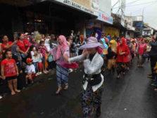 Komunitas Perempuan Berkebaya : Perjuangan Mempertahankan Kearifan Lokal