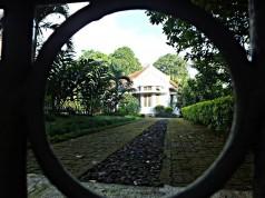 Rumah Gaya Belanda di Jalan Ahmad Yani