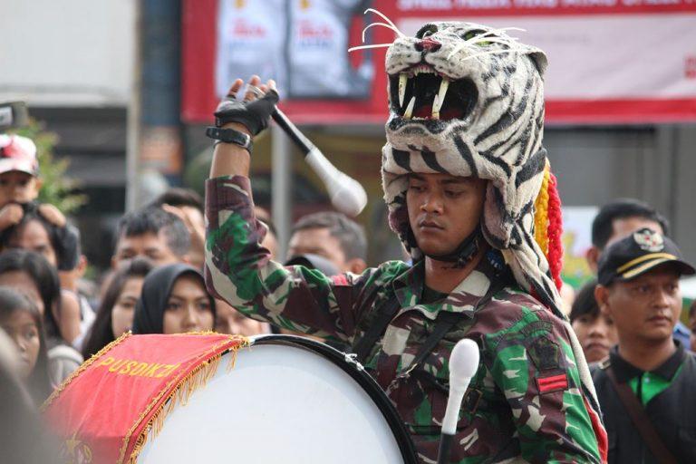 Tentara Bisa Bermusik dan Menghibur Juga : Drum Band Pusdikzi Bogor