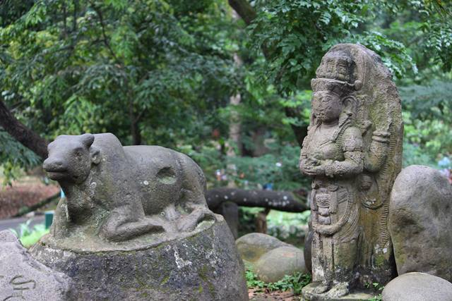 Patung Dewas Syiwa dan Lembu Nandi