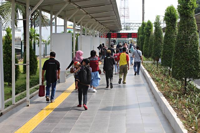 The Inside Look of Bogor Train Station 3