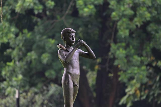 a piper statue in Bogor Palace Backyard 2