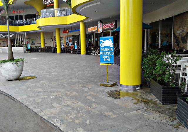Tempat Parkir Khusus Moge di CCM Cibinong City Mall