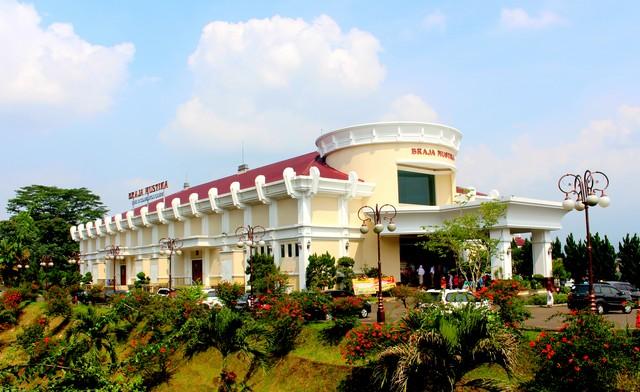 Braja Mustika Hotel & Convention Centre – Kompleks Hotel dan Gedung Pertemuan Braja Mustika
