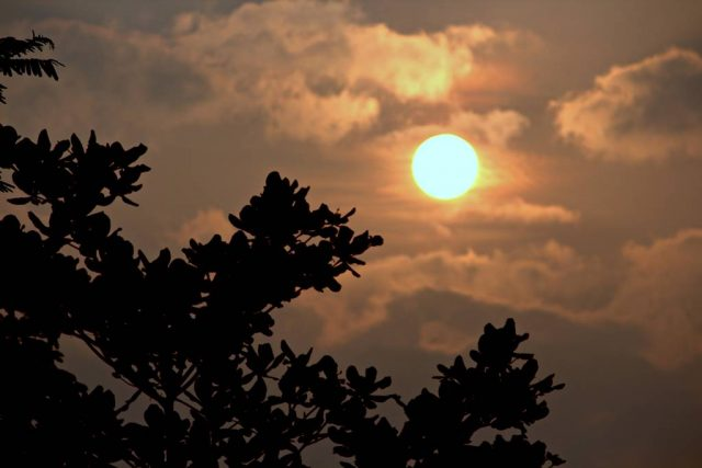 bulan purnama di langit bogor 2