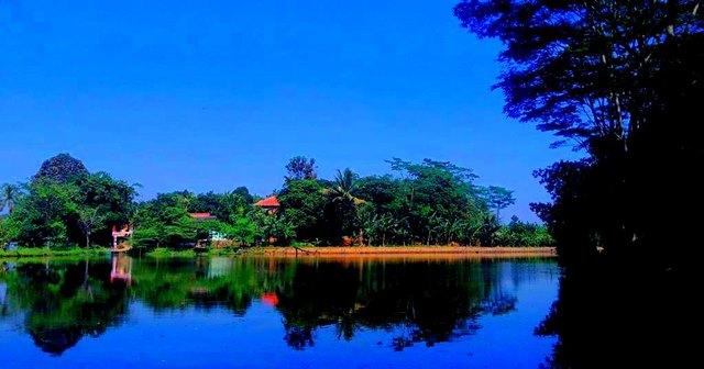 keindahan danau borcess 7