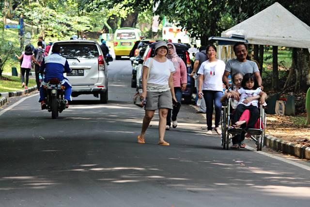 [Mari Dukung] Permintaan Evaluasi Ulang Kebijakan Mobil Boleh Masuk Kebun Raya Bogor di Hari Libur