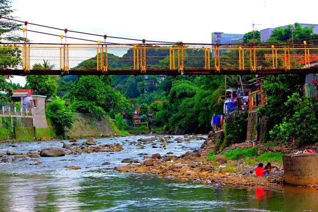 4 Jembatan Gantung Di Sempur