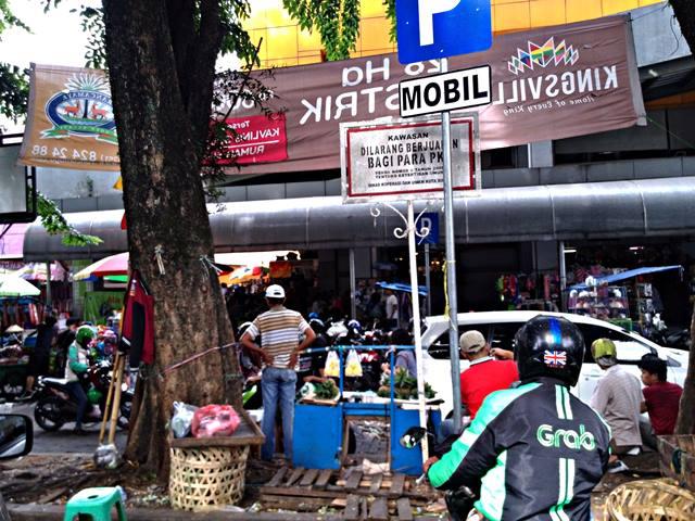 kawasan dilarang berjualan bagi Pedagang Kaki Lima