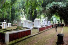 Pemakaman Belanda Kuno di Kebun Raya Bogor