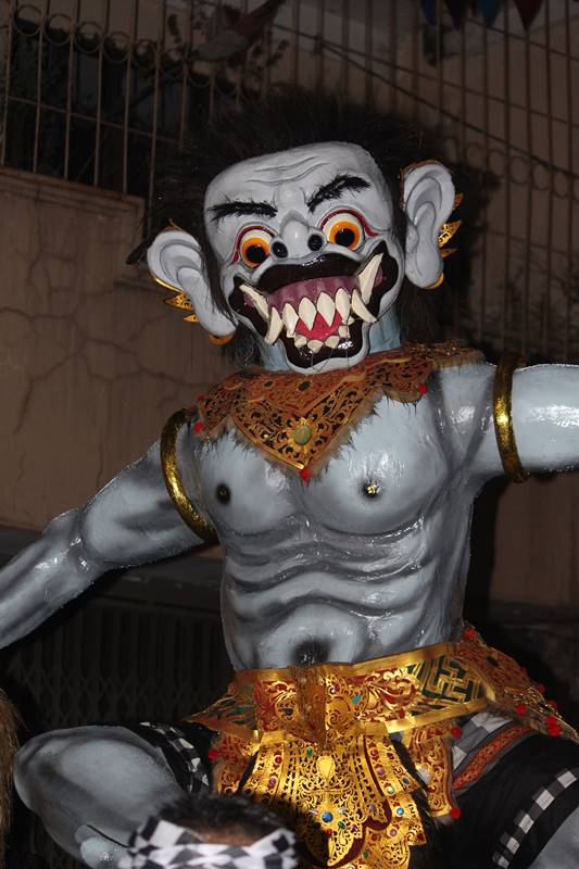 Kesenian daerah lain yang hadir di Cap Go Meh Bogor 2018 Ogoh Ogoh Bali
