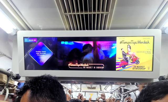 cinemagenda membuat penumpang Commuter Line Tetap Update Dengan Film Terbaru A