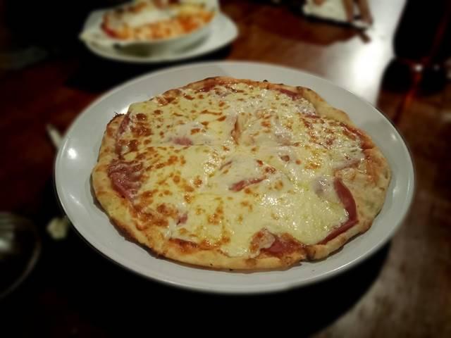 KEDAI KITA : Pizza Kayu Bakar – Nya Menghangatkan Malam