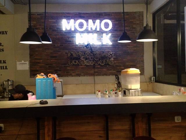 momo milk factory tempat nongkrong enak di bogor utara