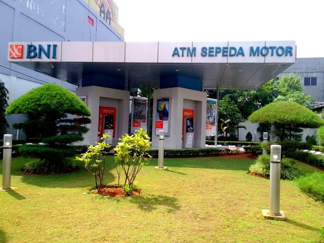 ATM Sepeda Motor BNI di Warung Jambu : Fungsi Tanpa Melupakan Keindahan