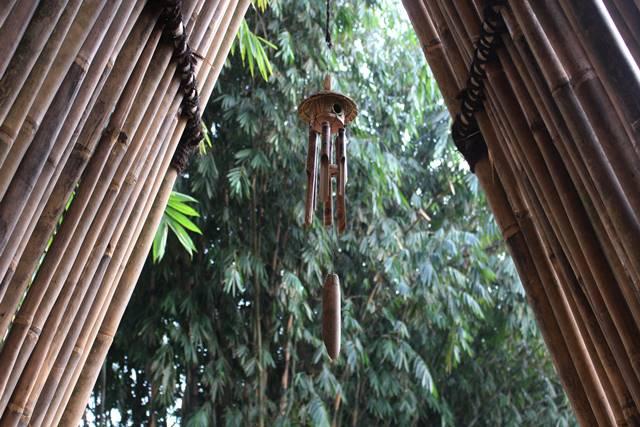 Gerbang Bambu Untuk Koleksi Bambu - Kebun Raya Bogor - Lonceng Angin