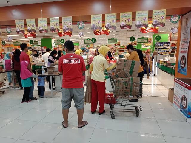 Hari Pertama Larangan Pemakaian Kantong Plastik di Kota Bogor 7