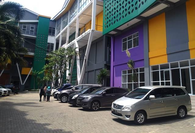 Spanduk di Gedung Pusat Kegiatan Mahasiswa Universitas Pakuan C